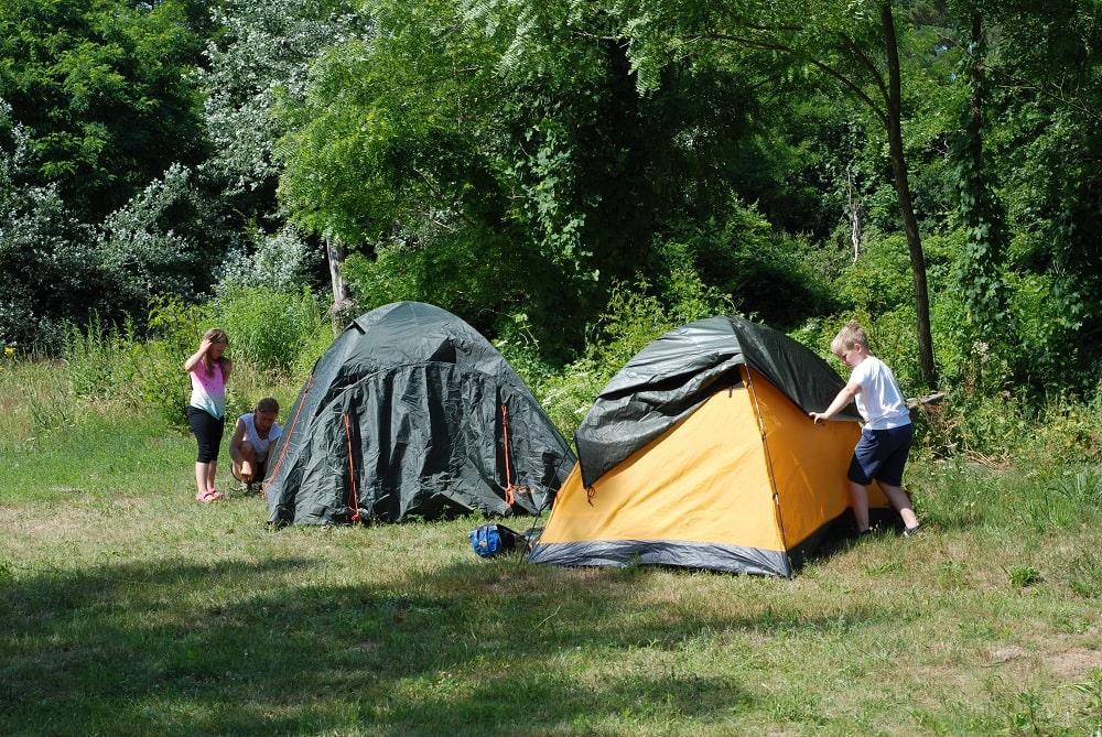 Rozstawianie namiotów firmy FjordNansen