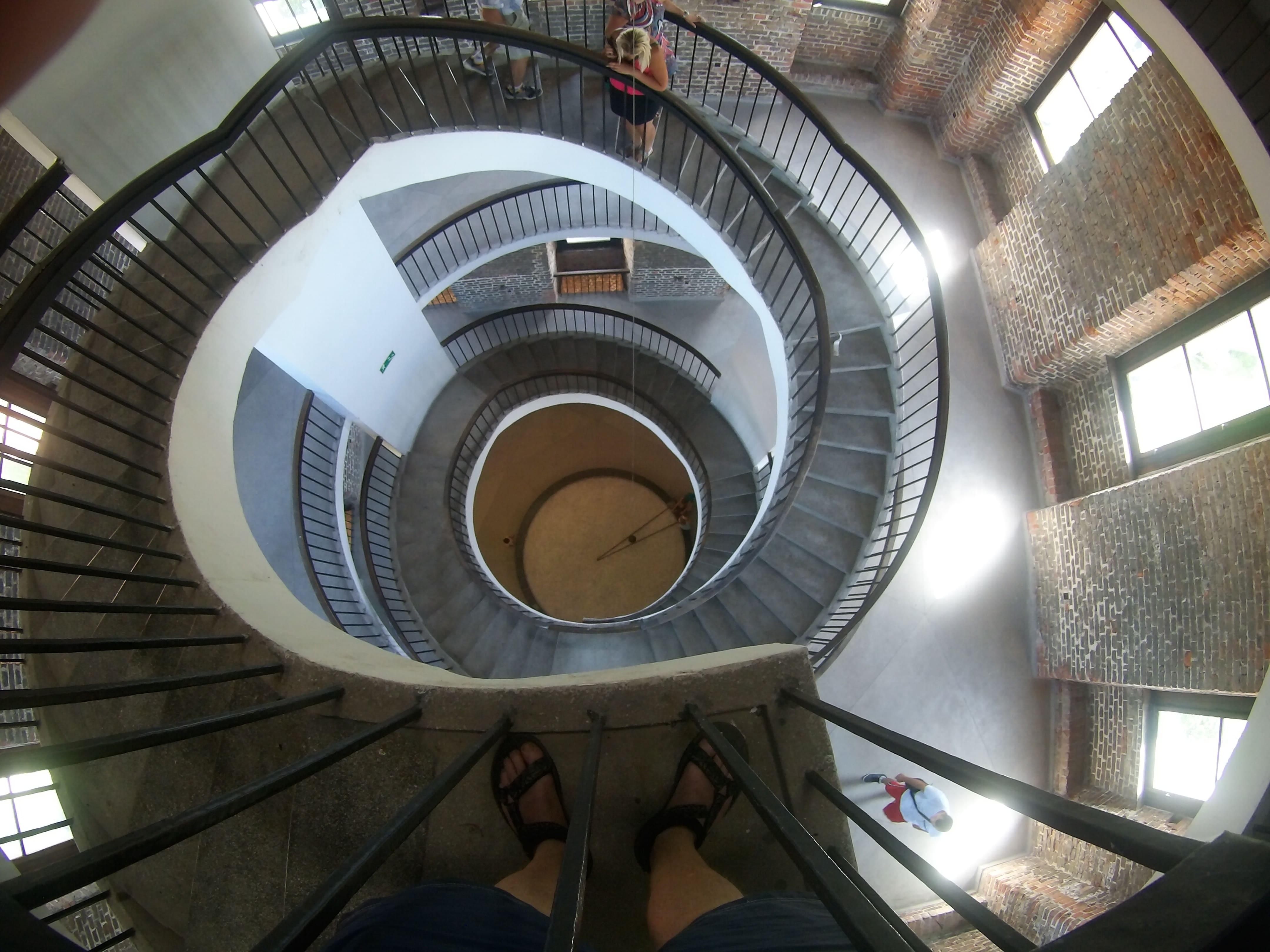 Schody prowadzące na Wieżę Radziejowskiego. Widok z góry.