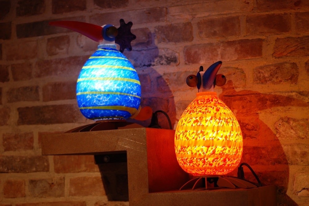 Lampy ptaki, szklane dzieła sztuki.